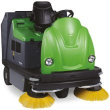 IPC Eagle 1404 Rider Vacuum Sweeper