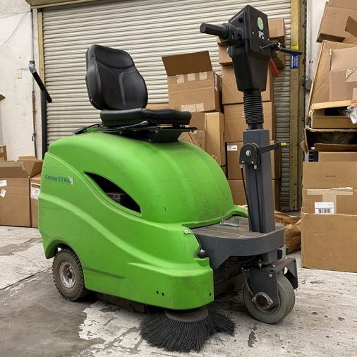 Used IPC Eagle 512 R, Automatic Ride On Vacuum Sweeper